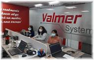 Valmer apoya a competidoras